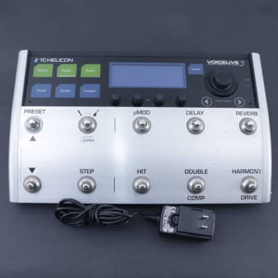 TC Helicon Voicelive 3  Vocal Multi-Effects Pedal P-07706