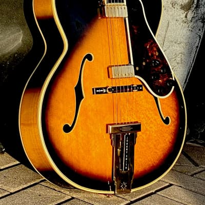 Gibson Johnny Smith D 1974 Sunburst unusual Double Floating Pickup model No Volute & Exquisite for sale