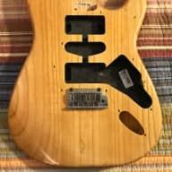 Fender Lite Ash Stratocaster Body 2004 Gloss Natural + Fender Atomic Humbucker & Pickguard