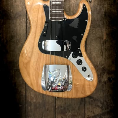 2005 Fender Jazz Bass  '75 Re-issue in Natural finish with hard shell case for sale