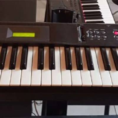 Korg X5 Keyboard Synth with Case