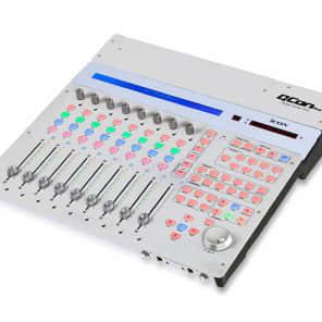 Icon QCon Pro USB MIDI/Audio 8-Fader Daw Controller