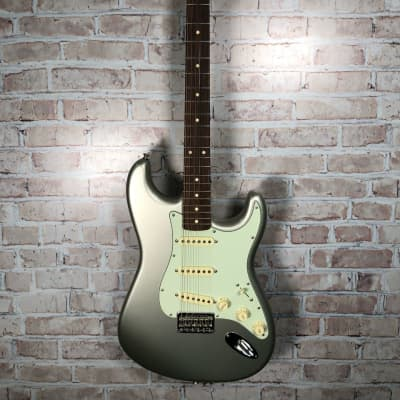 Fender Robert Cray Artist Series Signature Stratocaster 2003 - 2019 Inca Silver for sale