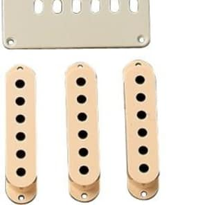 Genuine Fender Aged White Accessory Kit for Stratocaster 099-1368-000