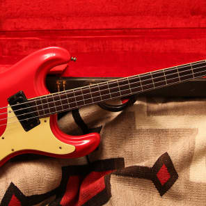 Mosrite Ventures Bass Candy Apple Red 1966