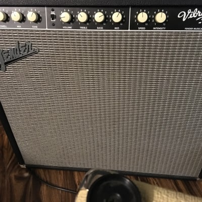 Fender  Vibro King and 2X12 VK cabinet 2006 black and tan