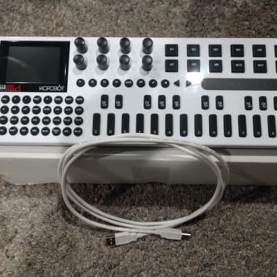 Isla Instruments Kordbot 2020 White/Black
