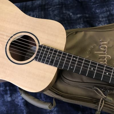MINT! Taylor BT1e Baby Taylor Acoustic-Electric Guitar Baby Taylor Authorized Dealer Gig Bag SAVE!