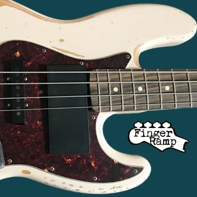 Fender Jazz Slap Finger Ramp PRO  in resin 2019 Black / White / Clear
