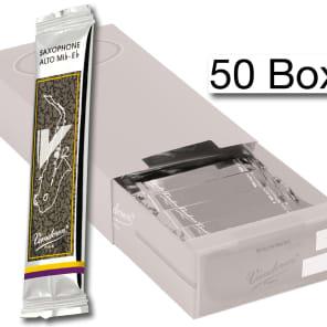 Vandoren SR6125/50 V12 Series Alto Saxophone Reeds - Strength 2.5 (Box of 50)
