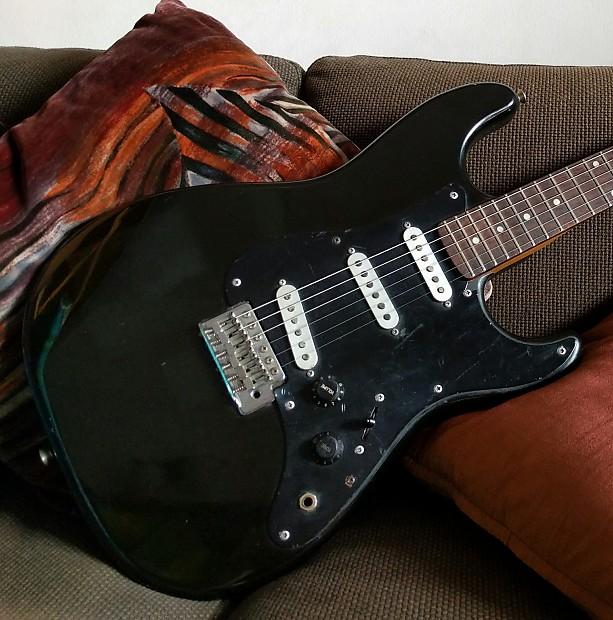 Fernando Strat Black Reverb