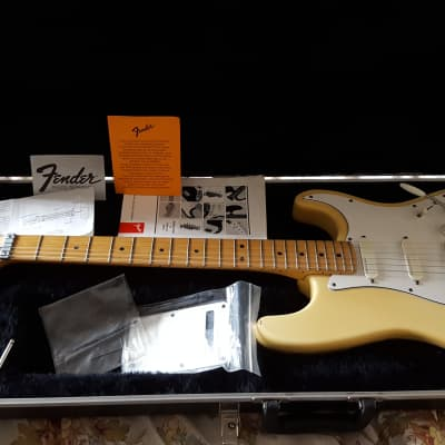 Fender Strat Plus Deluxe Stratocaster 1992 Aged Olympic White for sale