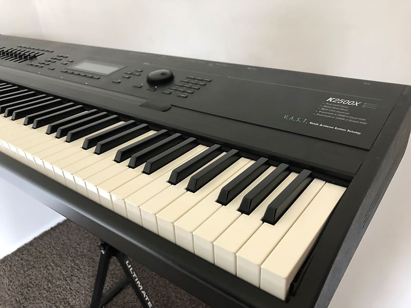 Kurzweil K2500X with all ROMs / 64MB RAM / Internal SCSI and Case