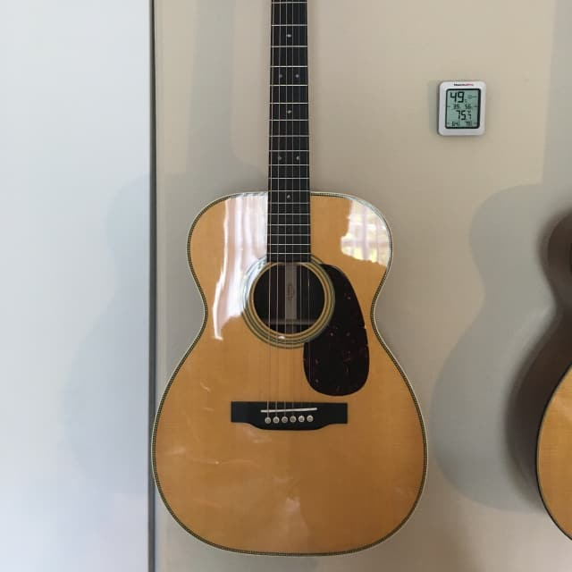 (Better than new) Martin 00-28 2018 Standard Series with upgrade and set up image
