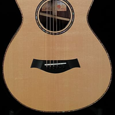 Taylor Guitars 912ce