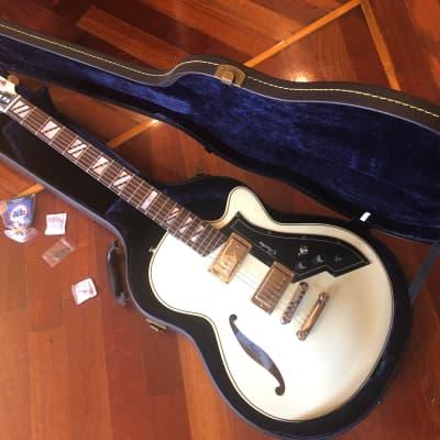 PEERLESS RETROMATIC P3 GUITAR in IVORY w/ FACTORY PEERLESS HARD CASE & KEY for sale
