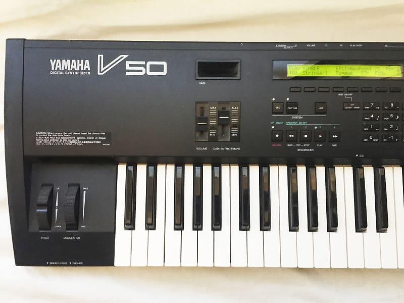 YAMAHA V50 Vintage FM Synthesizer. Made in JAPAN - 1988