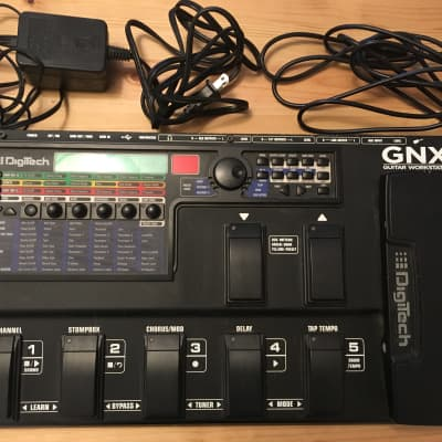 DigiTech GNX3000 Multi-effects with power adapter and USB cable