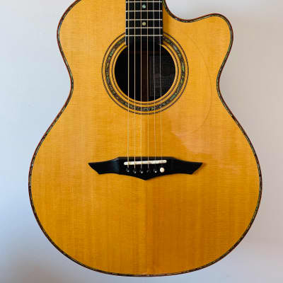 Petros Applecreek Grand Concert 2004 Sitka top and rosewood back and sides for sale