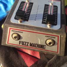 Antoria,ibanez,mica,bruno? Fuzz machine 1970?