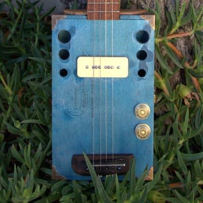 M7Instruments Blue Cigar Box Guitar 2020 Bleu métal