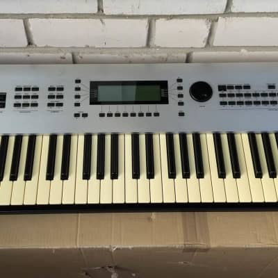 KAWAI K5000W Advanced Additive Workstation synthesizer + ME-1 enchanced memory!