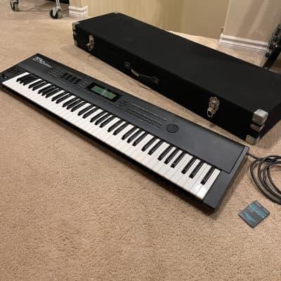 SUMMER SALE// HUGE BUNDLE Roland D-70 76-Key Super LA Synthesizer w/Case and Sound Card