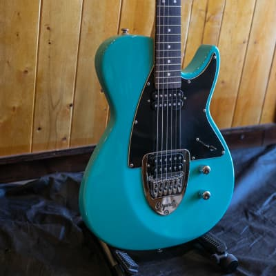 Carparelli Classico S Electric Guitars - Seaform Metallic *showroom condition for sale