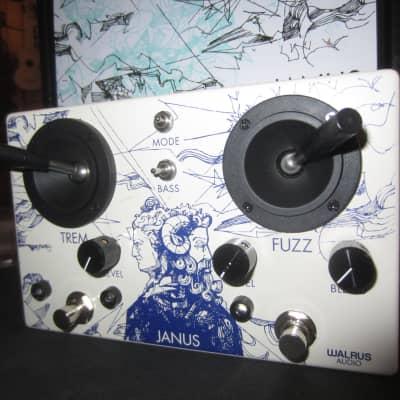 Walrus Audio Janus Fuzz/Tremolo with Joystick Control