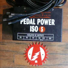 Voodoo Lab Pedal Power Iso 5 Guitar Effects Pedal Isolated Power Supply