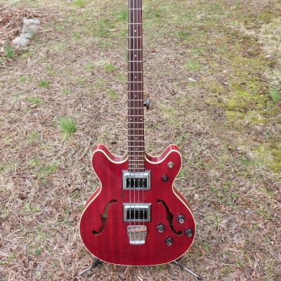 Guild  starfire bass  1965 red for sale