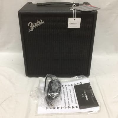 "Fender Rumble LT 25-Watt 1x8"" Bass Combo Customer Return"