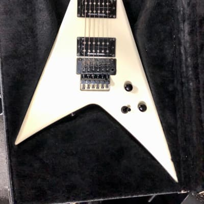 Carvin Ultra V 2010 White w/ OHSC