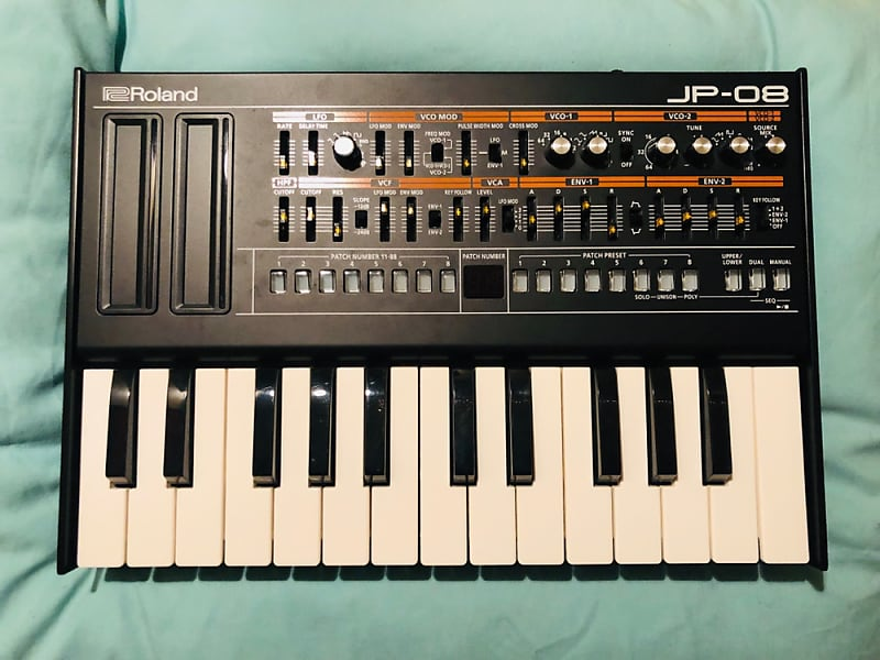 Roland Boutique Series JP-08 with K-25m Keyboard | Reverb