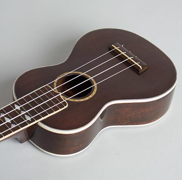 Gibson Uke-3 Soprano Ukulele, c  1928, chipboard case