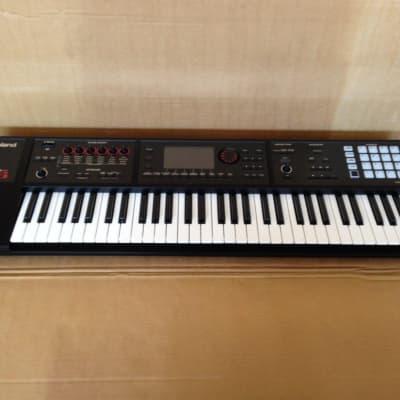 Roland FA-06 61-Key Music Workstation Synthesizer Keyboard;  Full Warranty!