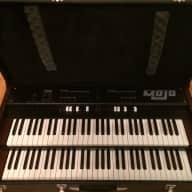 Crumar Mojo Dual Manual Organ w/Short Throw Expression Pedal and Hard Case