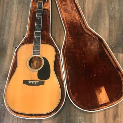 Acoustic Guitars | Reverb