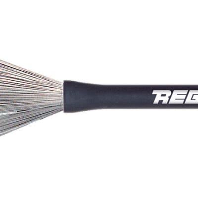 Regal Tip Throw Brush