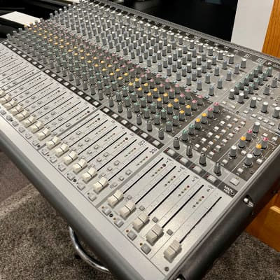 Mackie Onyx 24.4 24-Channel 4-Bus Live Sound Reinforcement Console