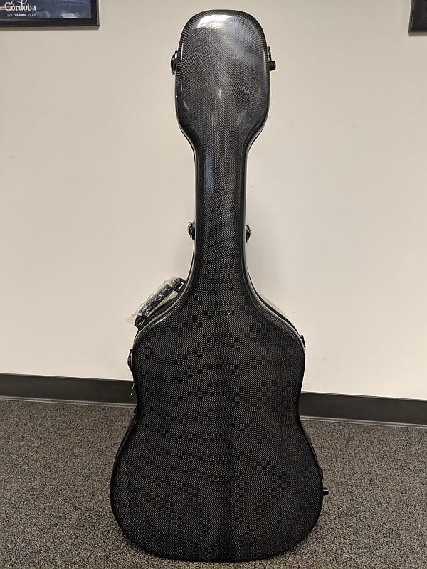 6e11aa6198 Description; Shop Policies. You're looking at a HumiCase Metro Dreadnought  Carbon Fiber Acoustic Guitar Case.