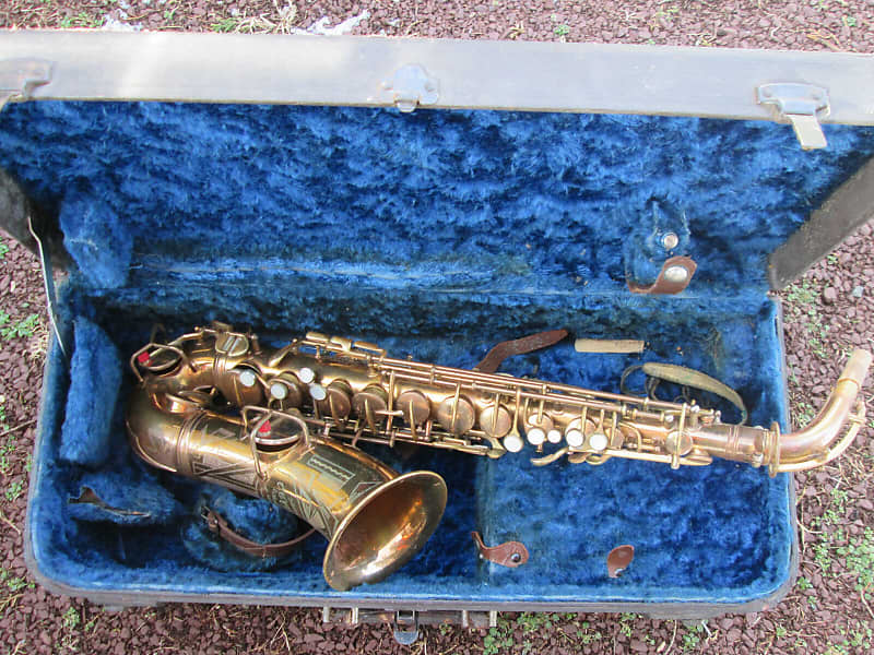 Vintage 1924 C G  Conn NEW WONDER Alto Sax Saxophone CUSTOM ENGRAVED,  ROLLED TONE HOLES
