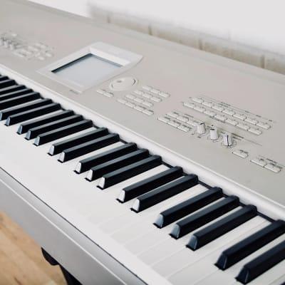 Korg Triton Studio 88 key synthesizer piano keyboard near mint with manual