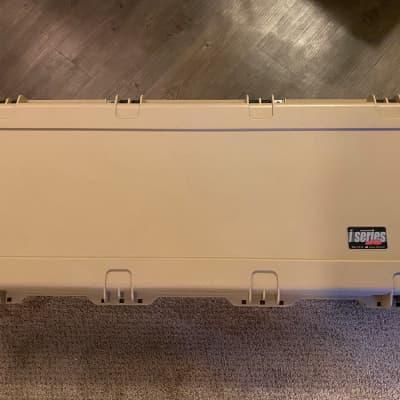 SKB iSeries Waterproof Acoustic Guitar Case for Dreadnought - Tan Tan