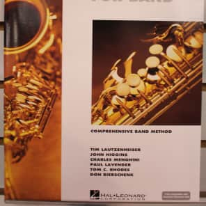 Hal Leonard Essential Elements for Band - Eb Alto Saxophone Book 1 with EEi