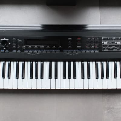 Roland D-50 Synthesizer 1988 * Sounds * Books * Software * Cable