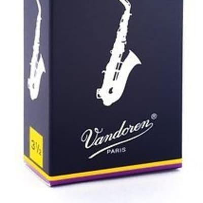 VanDoren Alto Sax Reeds, Box of 10, Strength 2.5