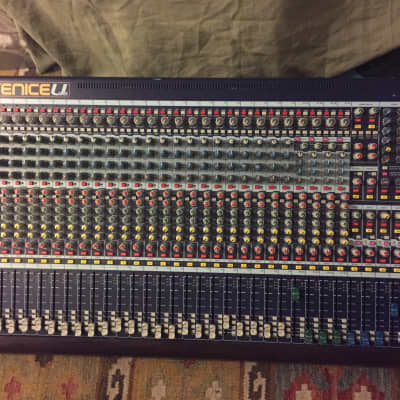 Midas Venice U32 32-Channel Mixing Console / USB Interface