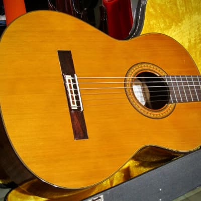 1983 Aria Classical Guitar AC-17 Solid Cedar Top Rosewood Back & Sides Original Hard Shell Case for sale