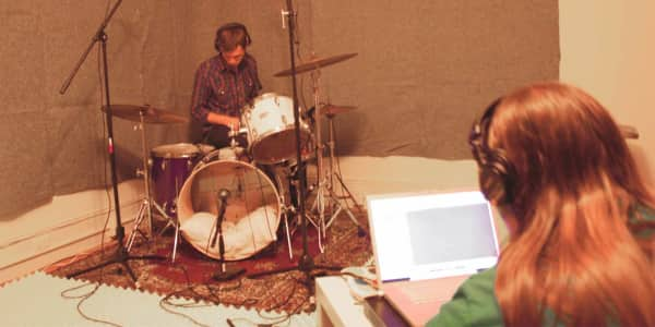 No Drums? No Problem: A Solo Artist's Guide to Recording